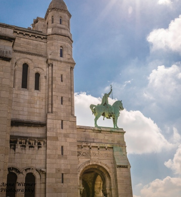 Equestrian Statue of King Saint Louis copy