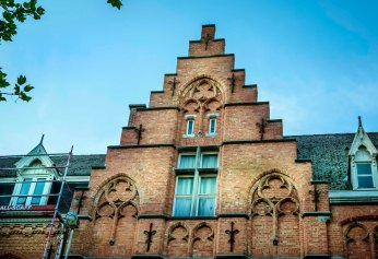 roofline-of-flemish-architecture-belgium-copy